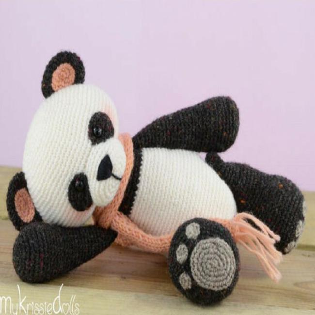 Crochet Amigurumi Panda Bear - Part 3: Joining - YouTube | 650x650